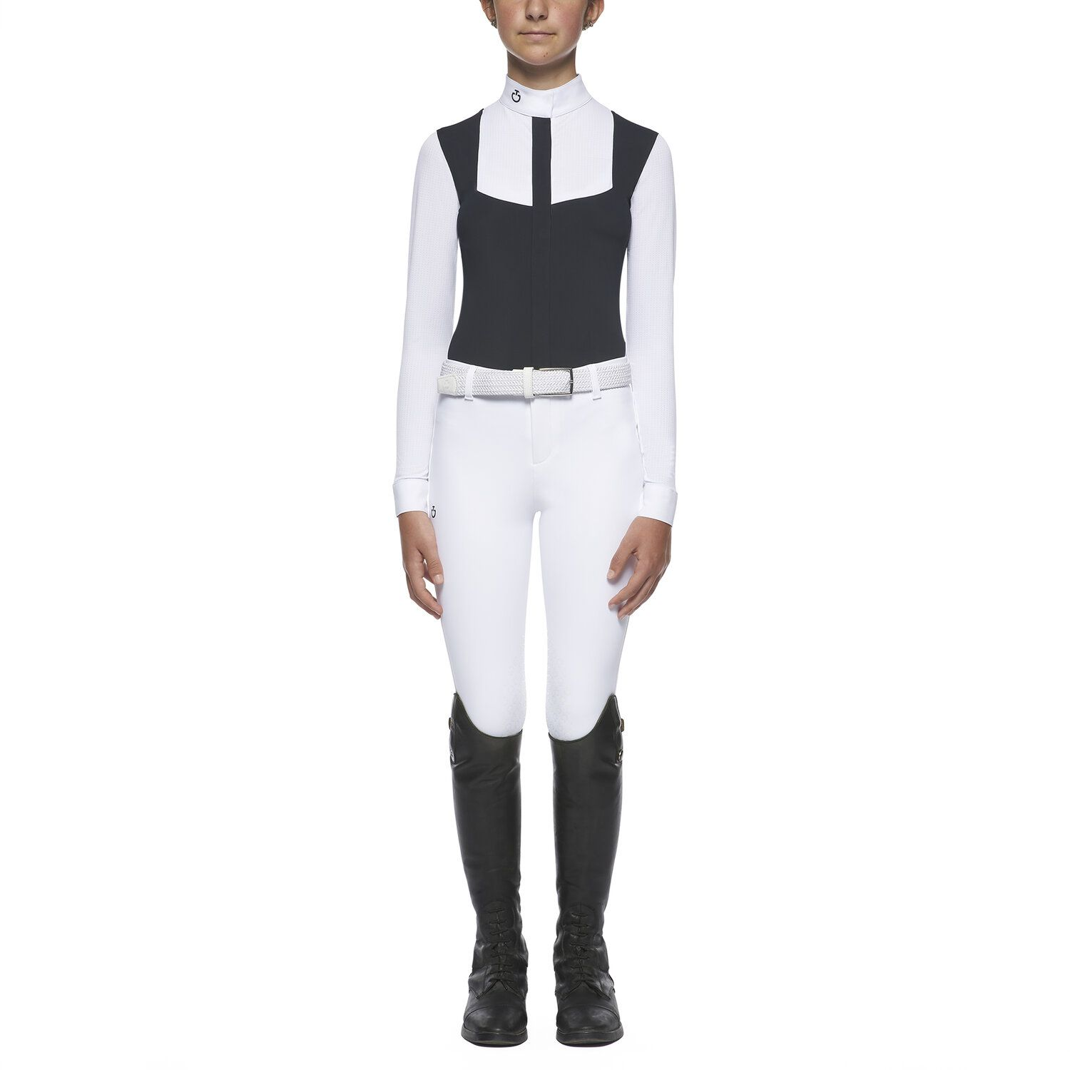 Girl's shirt with perforated bib and sleeves